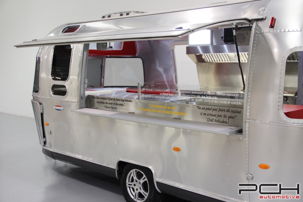 Remorque airstream diner one food truck pch automotive for Remorque cuisine occasion