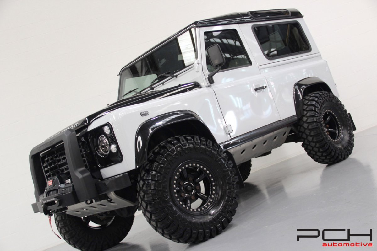 Land rover defender 90 td4 se final edition off road for Interieur defender 90
