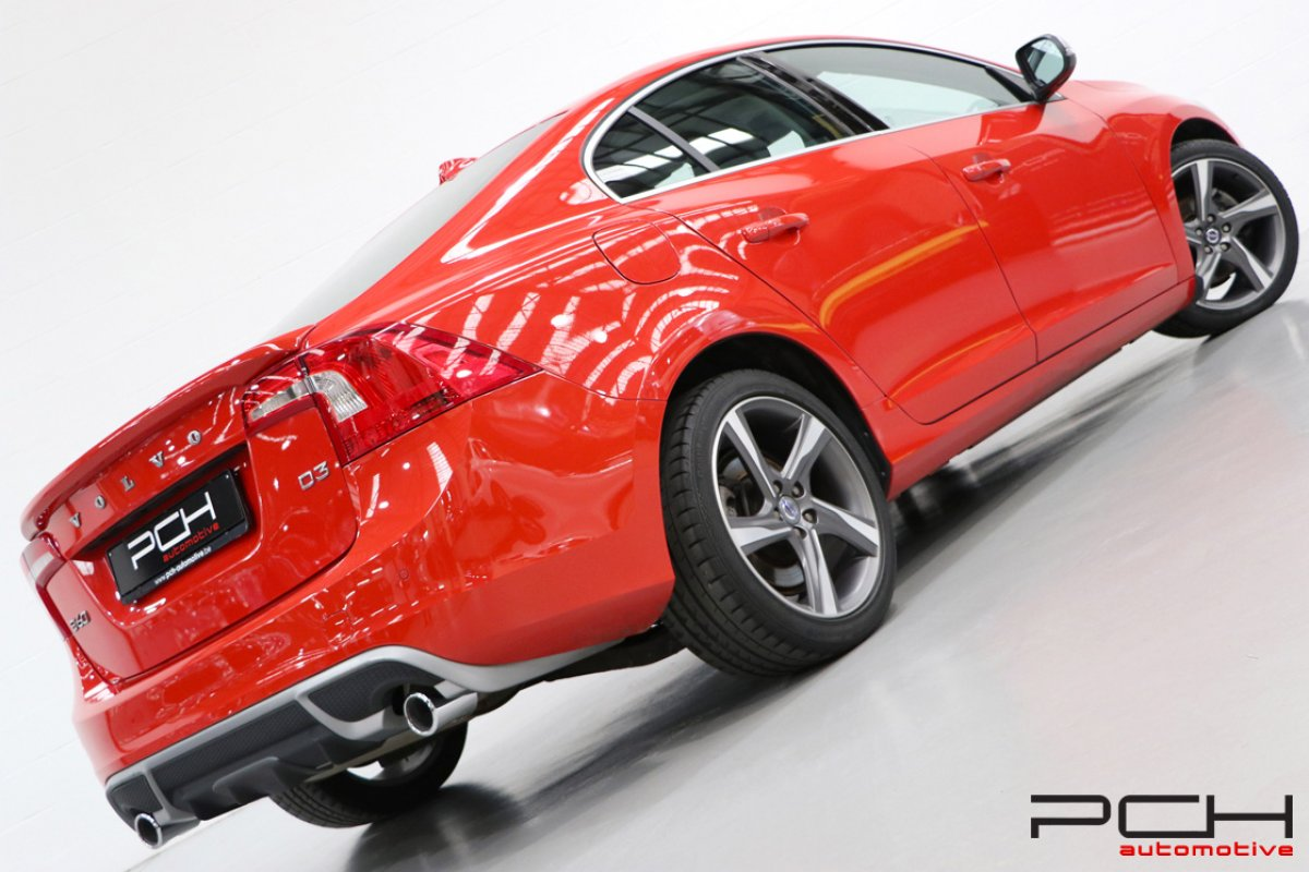 VOLVO S60 2.0 D3 136cv Kinetic - R Design Int. & Ext. -