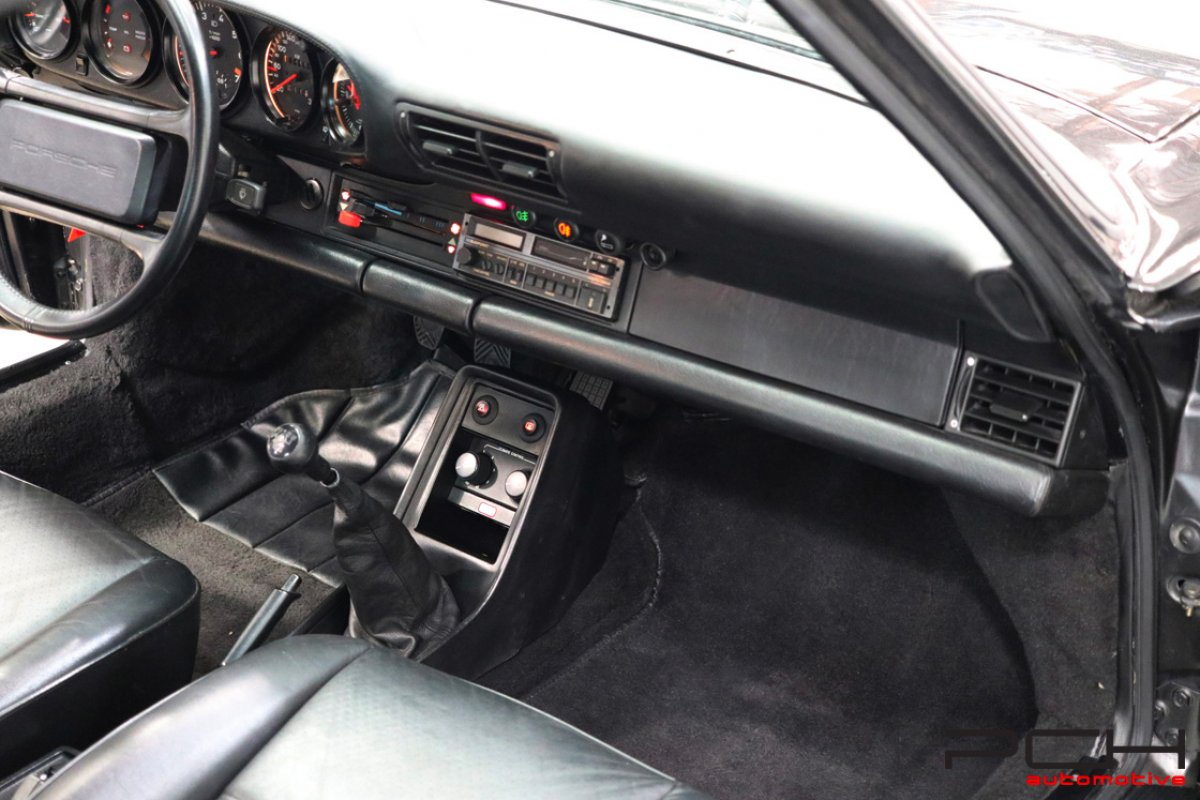 PORSCHE 930 Turbo 3.3 300cv Boîte 5 G50 (1 Of 554)